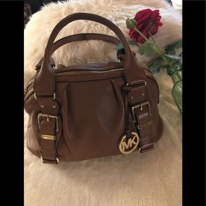 MICHEAL KORS-Camel/Satchel 2 handle bag. Med Sz.